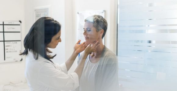 10 Signs of Thyroid Issues