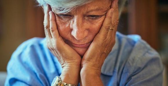 10 Symptoms of Alzheimer's Disease