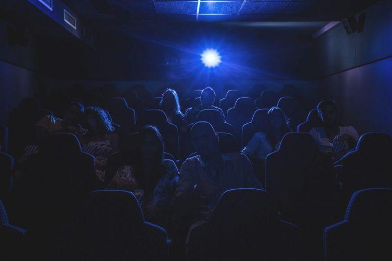 retinitis dark theater