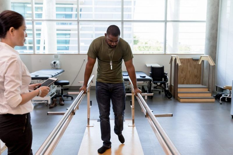 bar balance training therapy