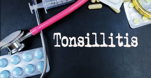 10 Symptoms and Causes of Tonsillitis
