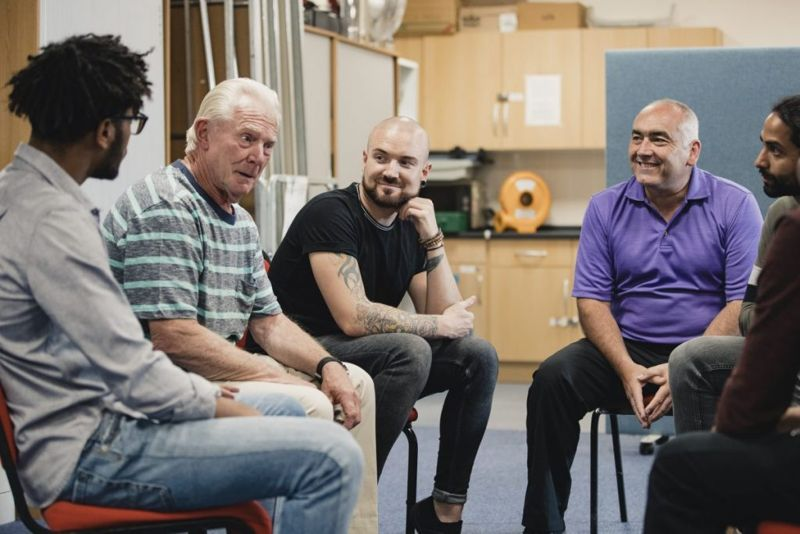men support group therapy