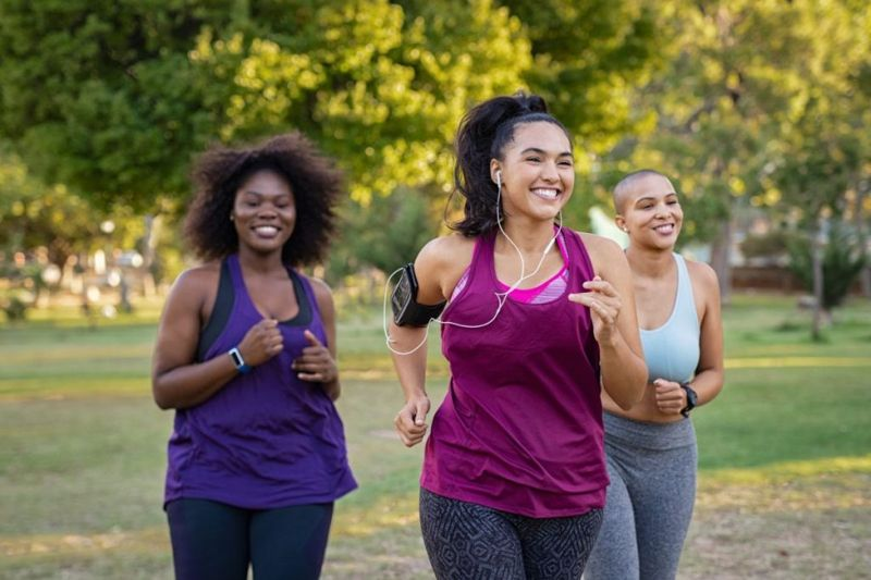 curvy women jogging working out