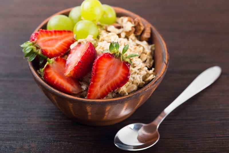 polyphenol bowl fruits grains