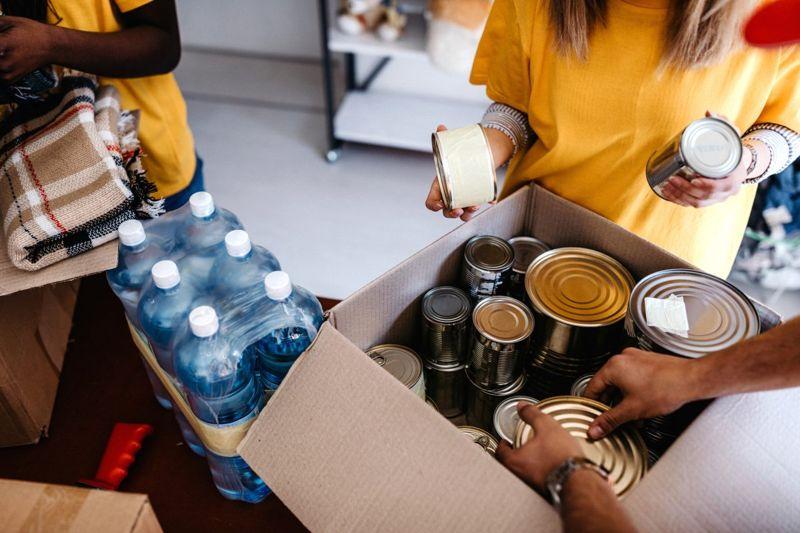 shelter food bank box