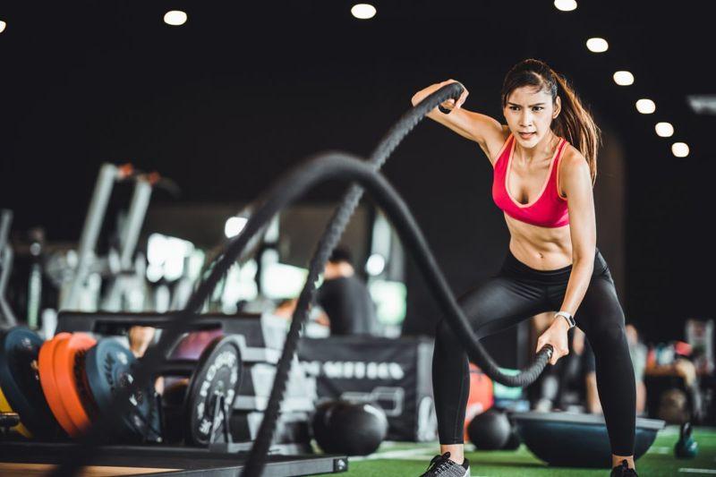 burn calories endurance battle ropes