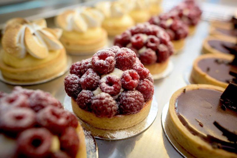 Candy pastry sugar hyperphagia amygdala