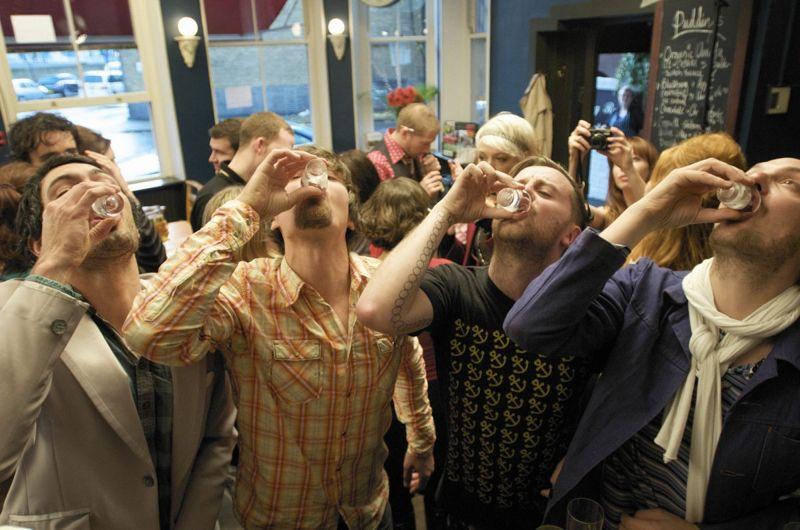 Drunk Men Common