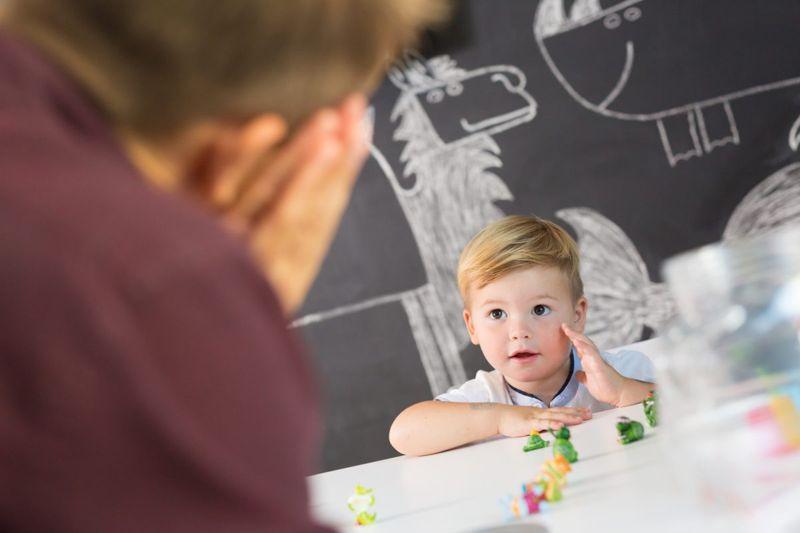 stutter child speech therapist