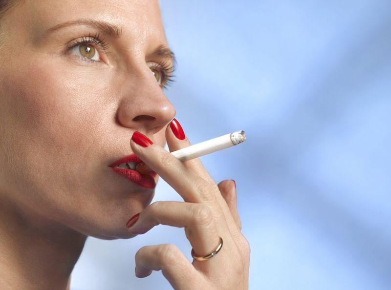 Smoking macrophage elastase pregnancy childbirth
