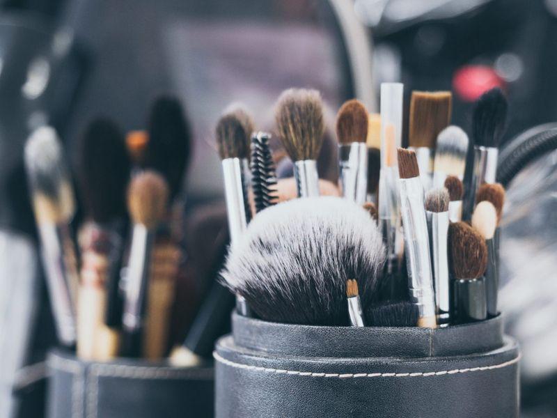 Replacing makeup brushes