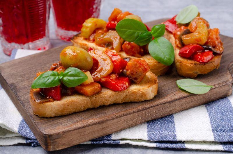 bruschetta tomatoes olives picnic
