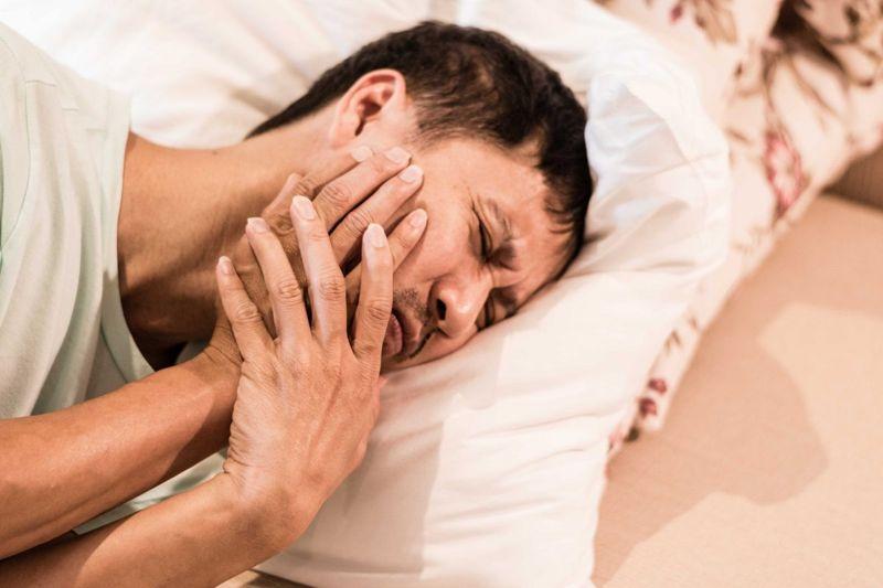grinding teeth bruxism TMJ headaches