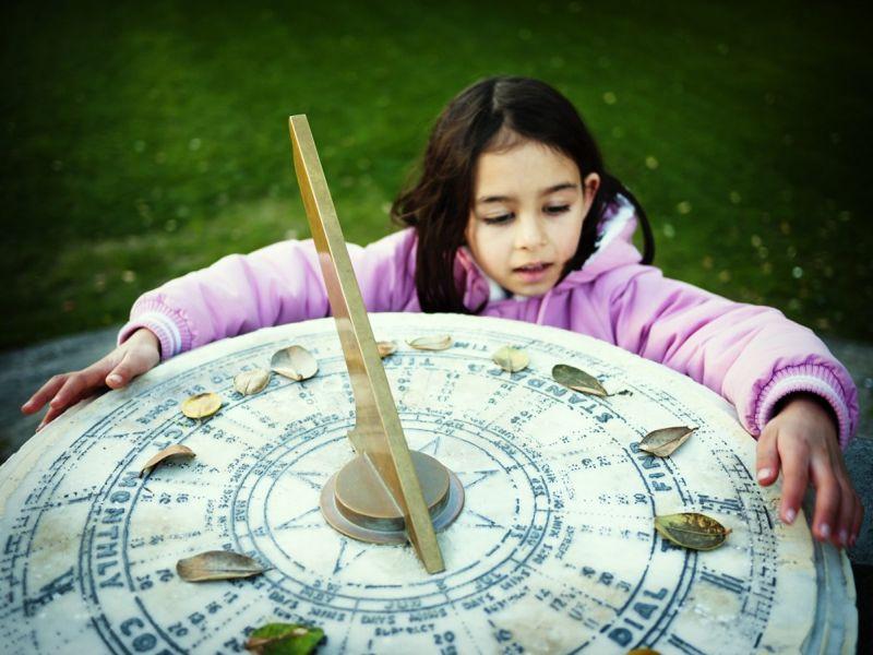 child sundial fun