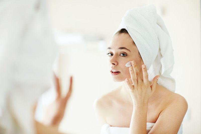 face moisturizer woman