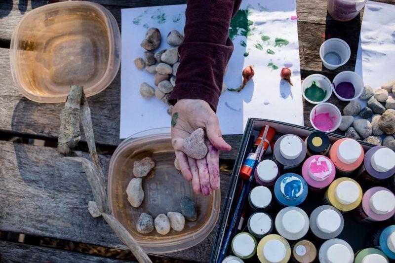 kids painting rocks