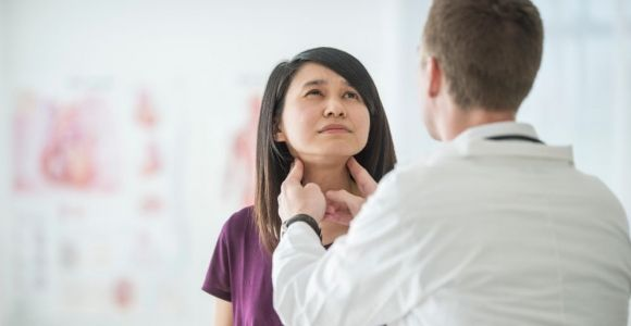 10 Warning Signs of a Thyroid Problem