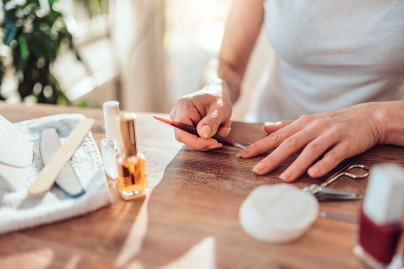 remove nail polish