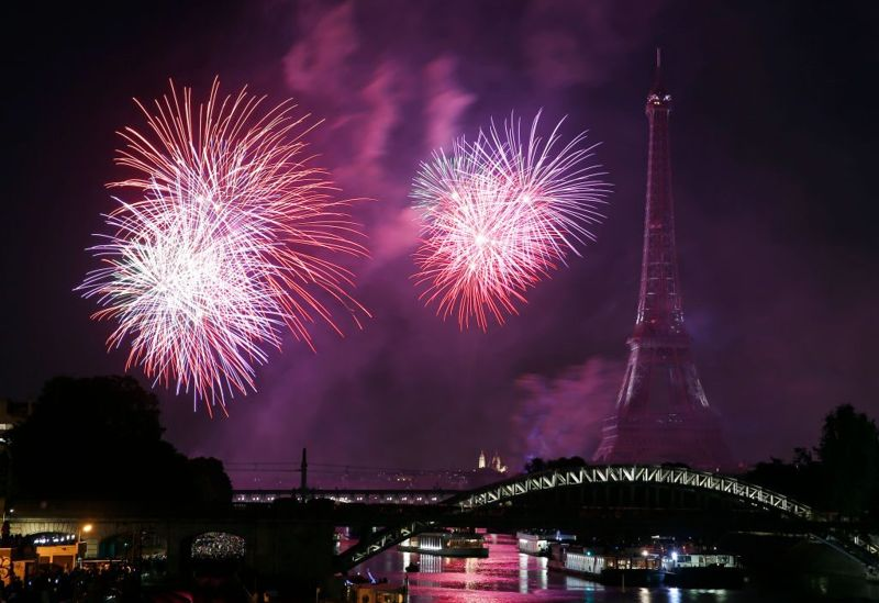 military parade eiffel tower fireworks