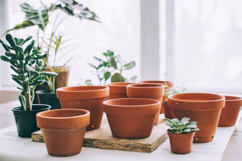 Connect flower pots together