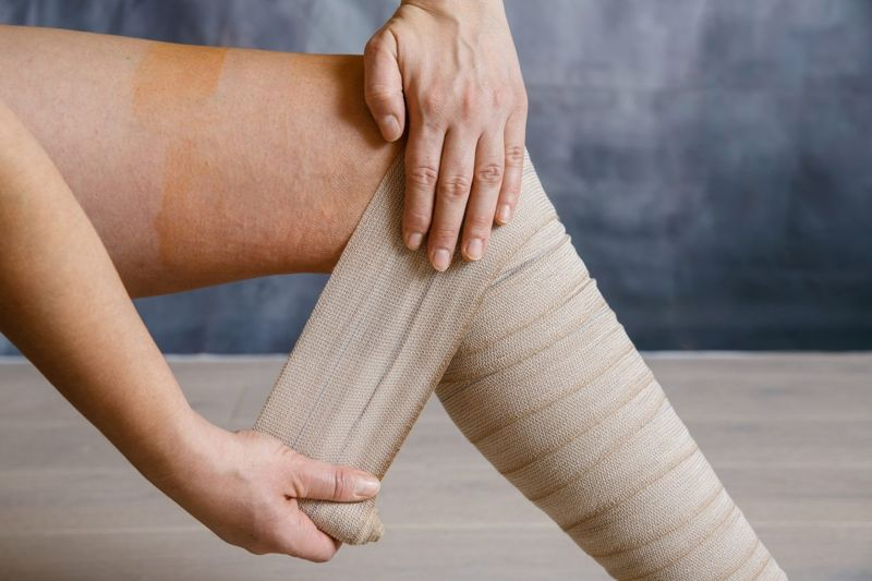 examine skin compression socks