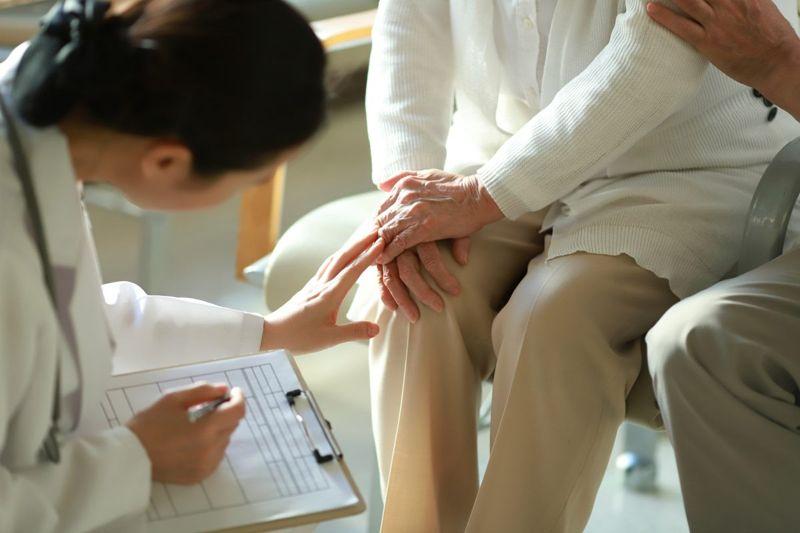 doctor exam diagnosis
