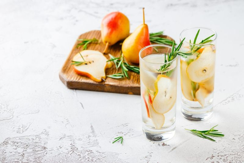 fruit slices wine spritzers