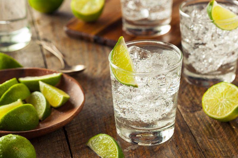 limes vodka soda glass