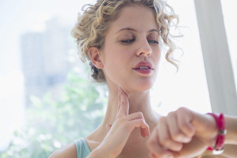 carotid pulse neck