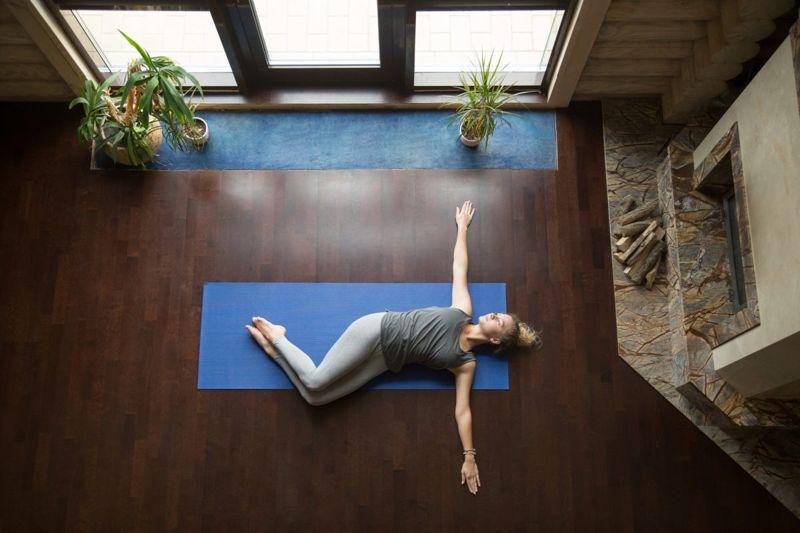 yoga supine twist