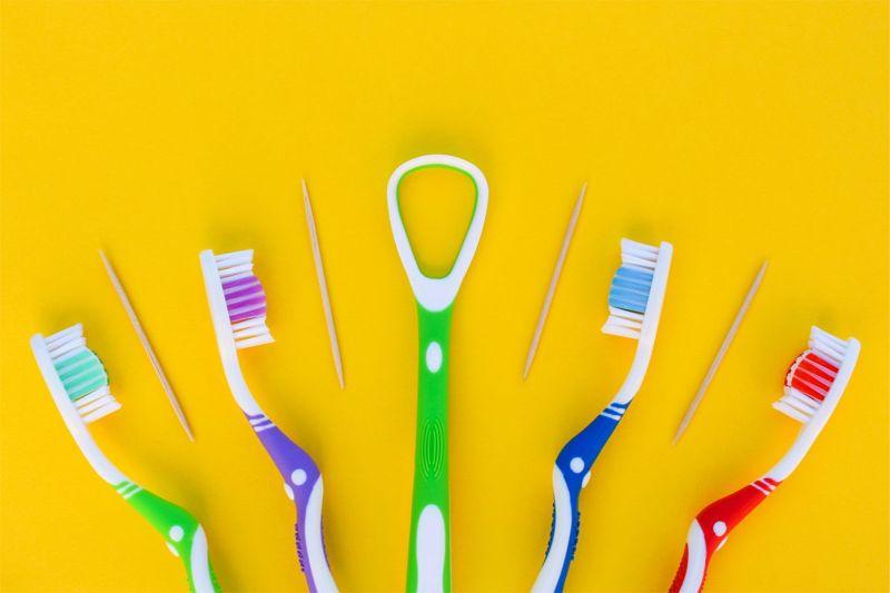 brushing rinsing flossing