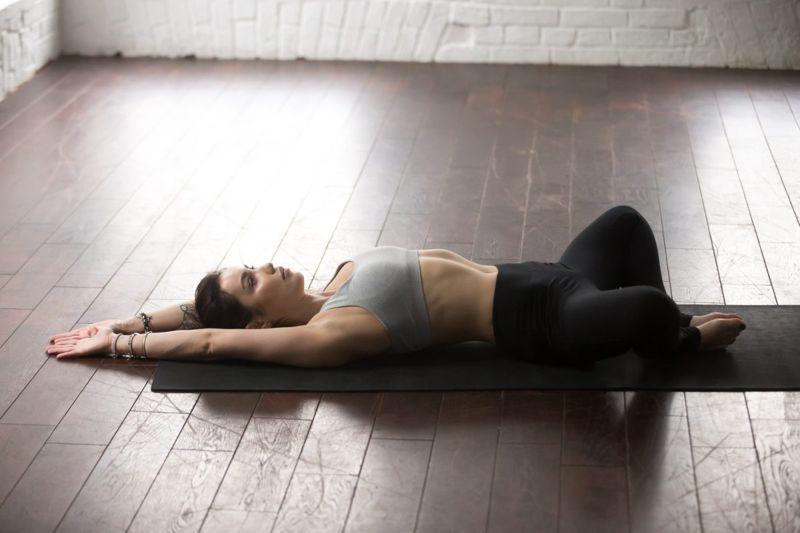 woman yoga frog stretch