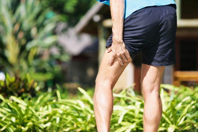 thigh numbness spondylolisthesis symptom