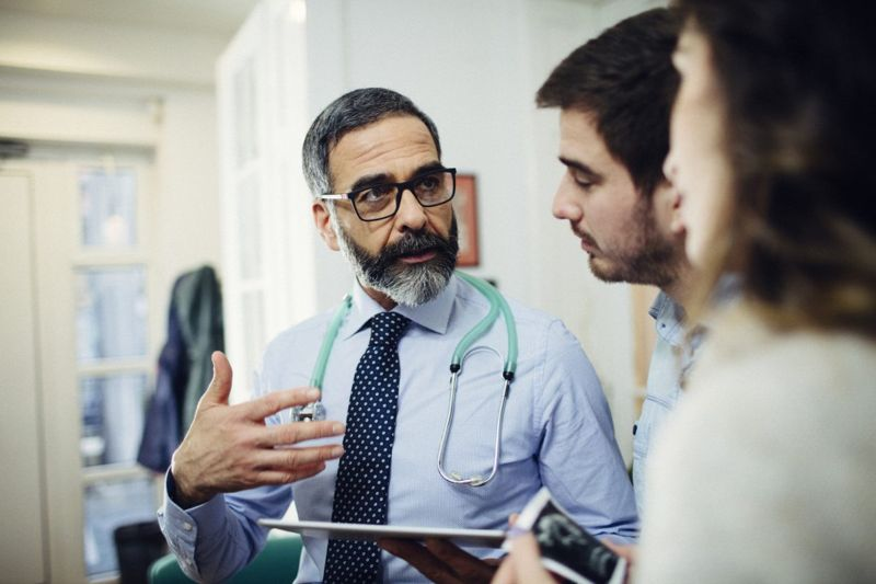 doctor patients discussion