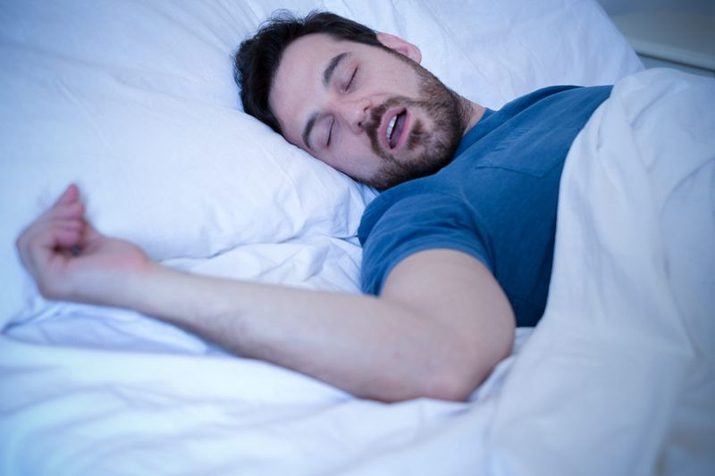 man sleep apnea