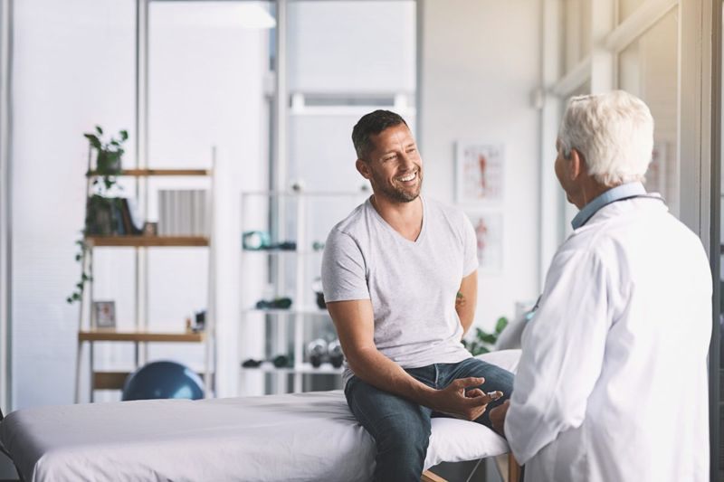 Discussion between patient and doctor