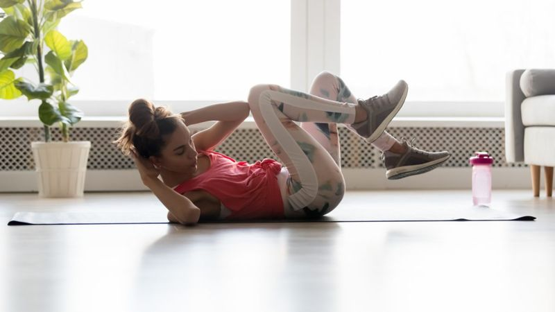 woman core exercises muscles