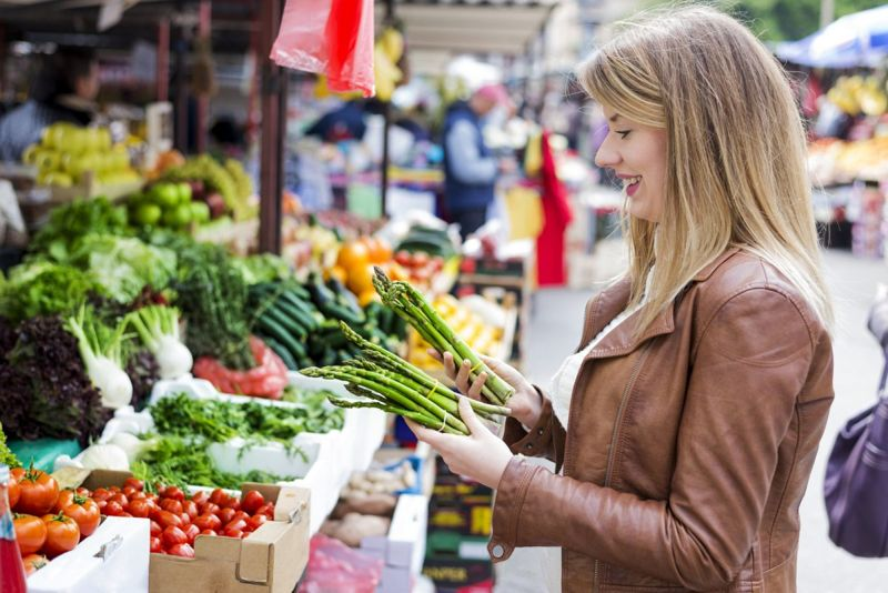 Woman shopping for healthy food