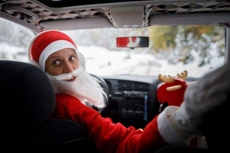 santa driving car travel