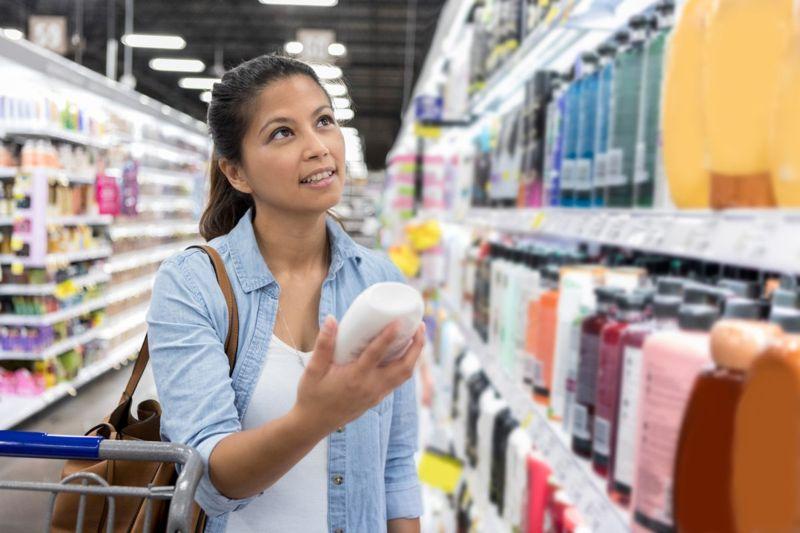 woman shopping shampoo