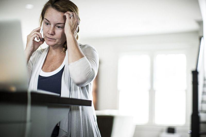 stressed woman laptop