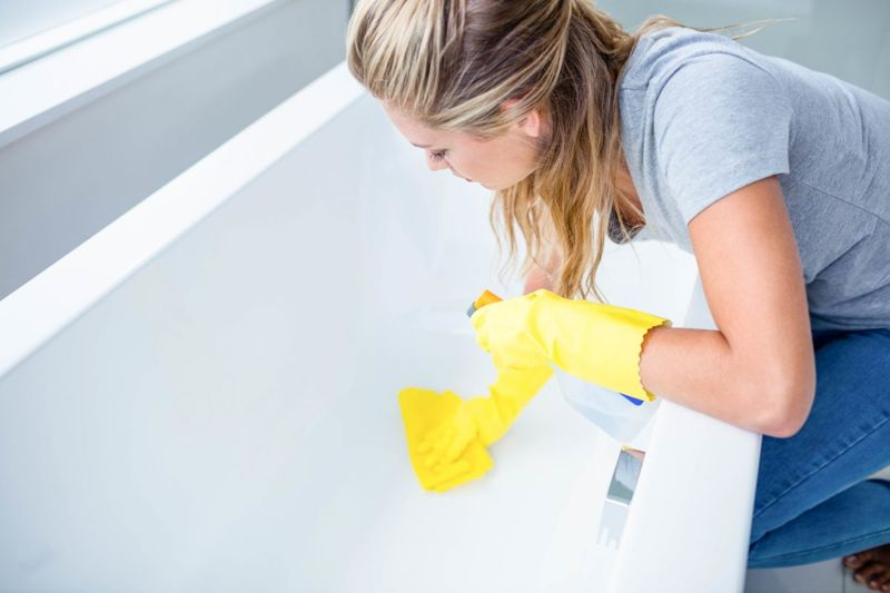 reduce infection clean bathtub