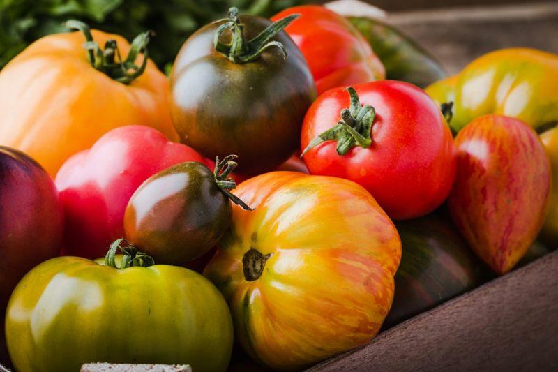 cultivar, color, flavor, tart, sweet