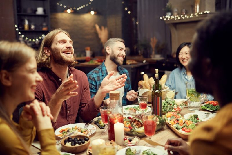 Avoiding social media loneliness