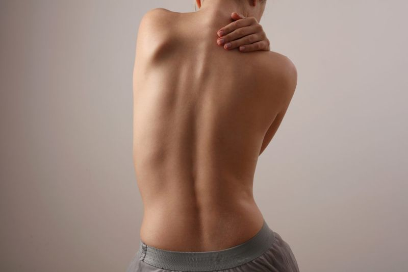 body leans side imbalance scoliosis