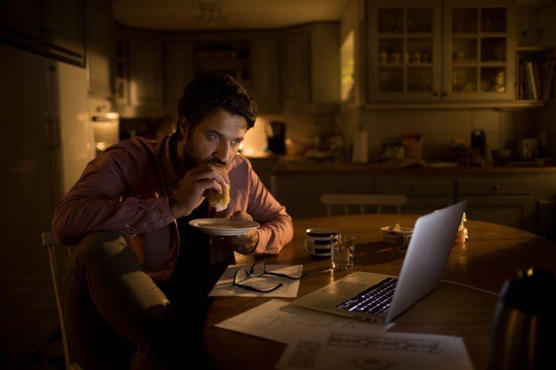man stress eating night
