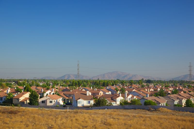 Many cookie cutter homes show the overwhelming San Bernardino County growth as seen from North bound 15