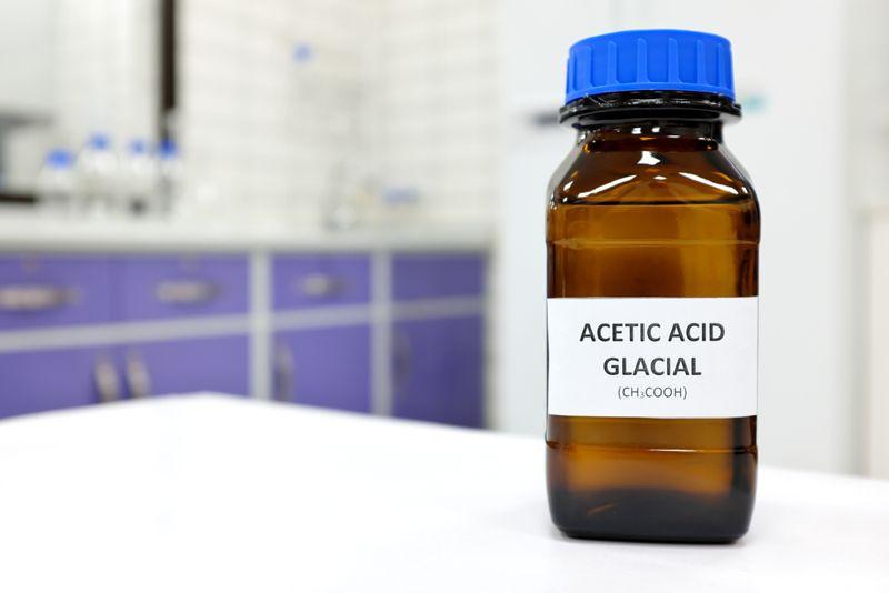 acetic acid laboratory concept