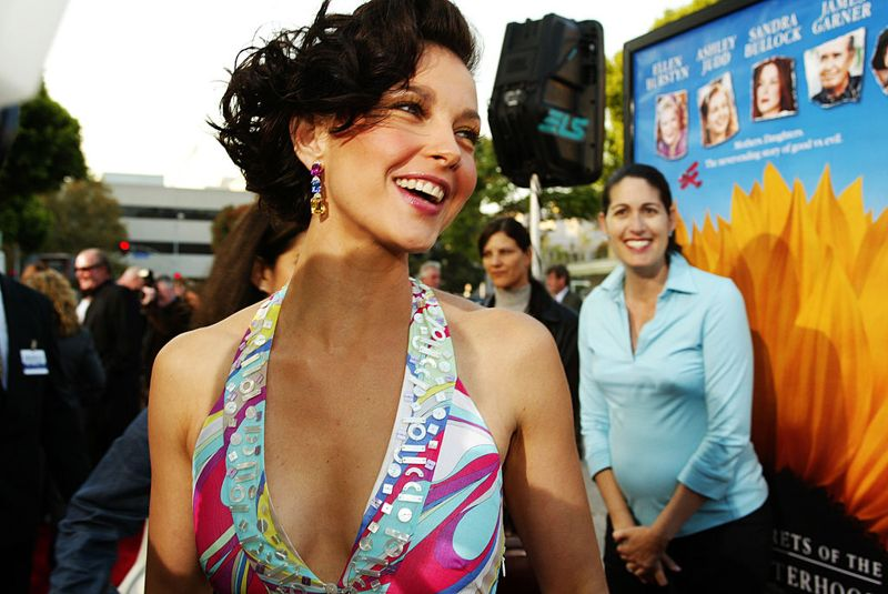 Ashley Judd arrives for the premiere of Divine Secrets Of The Ya-Ya Sisterhood at the Mann Village Theater in Los Angeles, CA on Monday, June 3, 2002.
