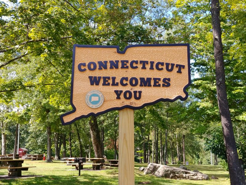 A Connecticut Welcomes You sign at the Danbury rest area